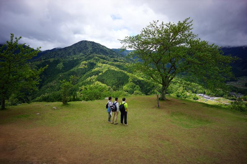 同級生 見つめる先の 写真機 at Asago Hyogo(竹田城址)