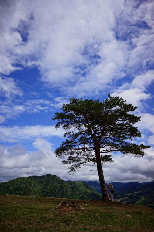 丘に立つ 歴史感じる 二人とも at Asago Hyogo(竹田城址)