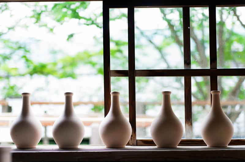 絵付け前 窓辺に佇み 風とおし  at Takeo Saga(志田焼の里)