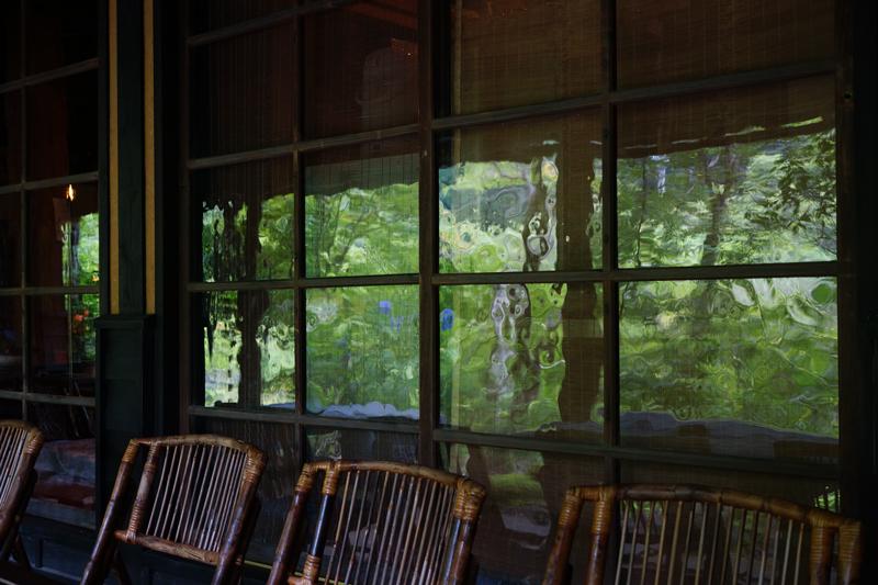 歪んでる 昔を思う 窓ガラス  at Hita Oita(琴ひら)
