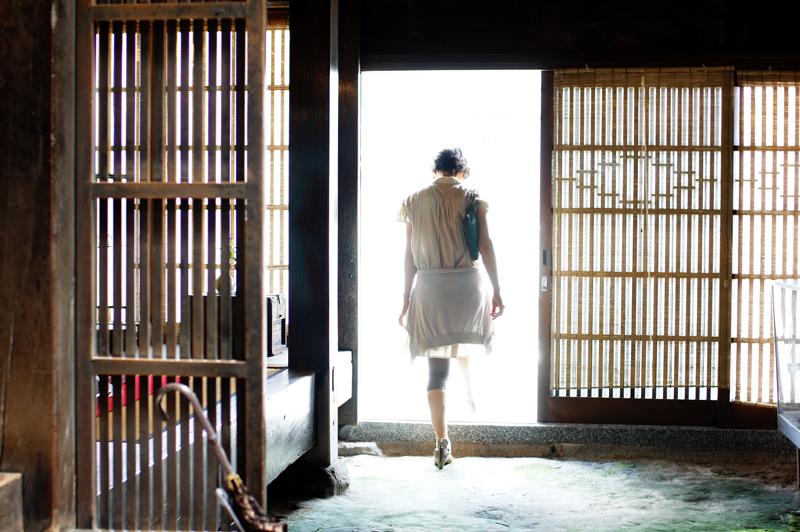 戸をくぐる 内はひんやり 外暑し  at Kitakyusyu Fukuoka(木屋瀬)