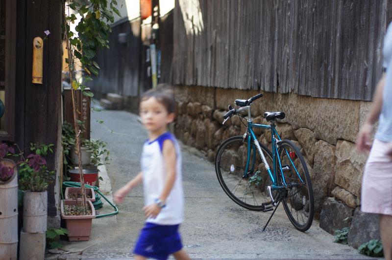 at Tomo Hiroshima  ブルーの濃淡